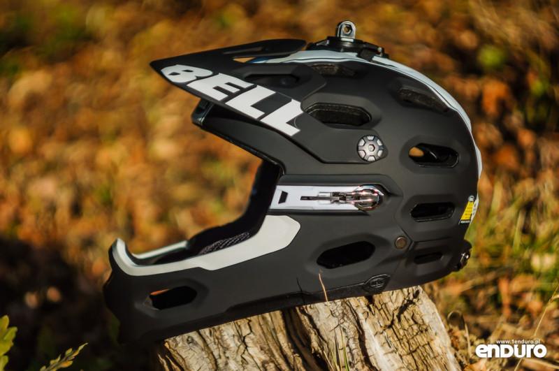 Test Bell Super 2R - bok