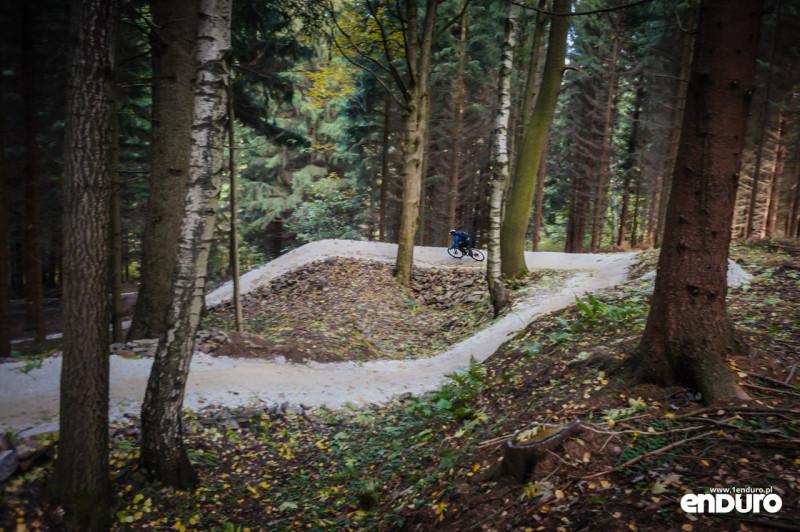 Lipowskie Ścieżki enduro Toc niebieski