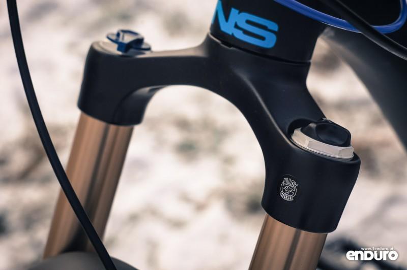 NS Bikes Eccentric Djambo - Suntour Raidon LO-R korona