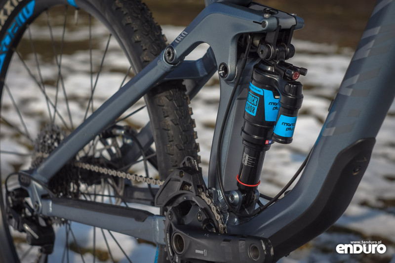 Canyon Strive Al 6.0 Race - test - Rock Shox Monarch Plus R