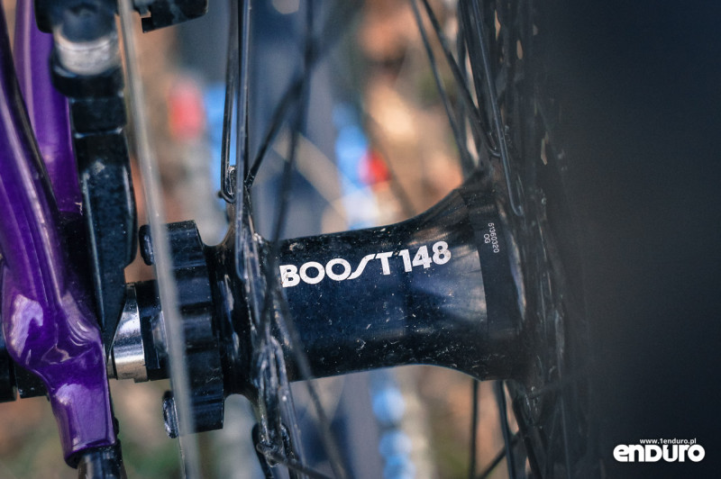 Trek Stache 7 - Boost 148 hub
