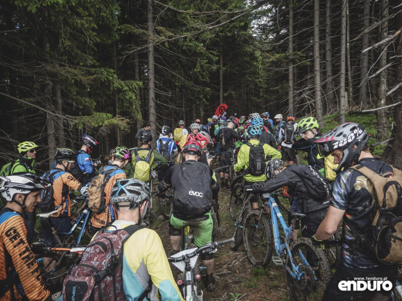 Enduro MTB Series Przesieka 2016 - kolejka OS3