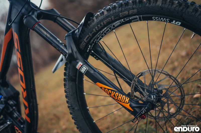 Test Kross Moon 2.0 2016 - Rock Shox Pike naklejki