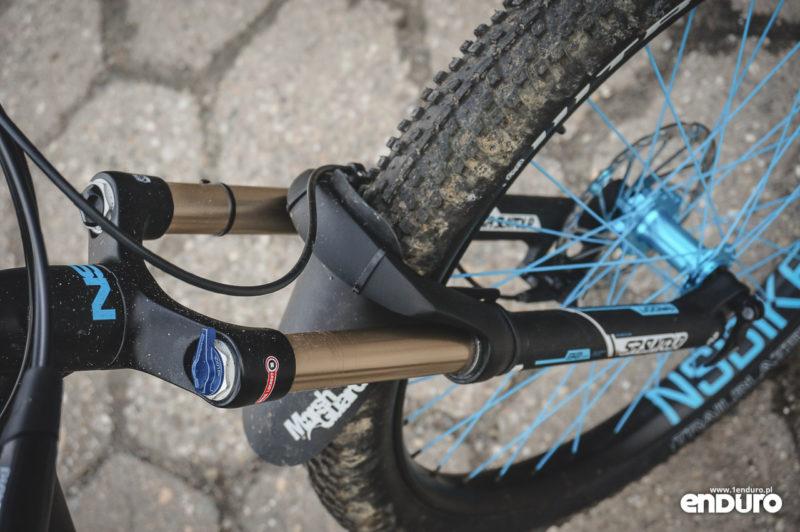 NS Bikes Djambo - Suntour Raidon 650b+