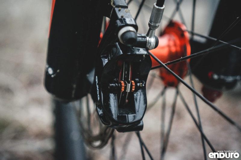 Przygotowanie roweru do zimy - klocki metaliczne
