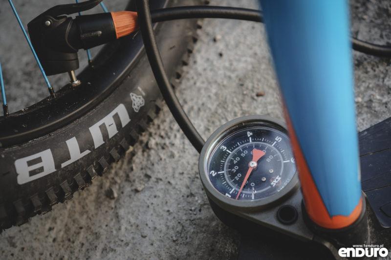 Przygotowanie roweru do zimy - ciśnienie w oponach
