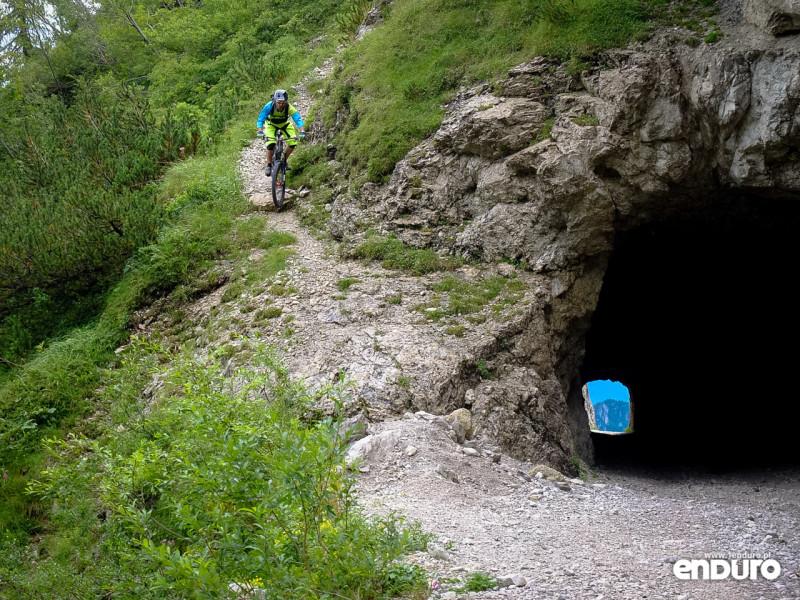 Lago Di Garda Enduro Tremalzo tunnel