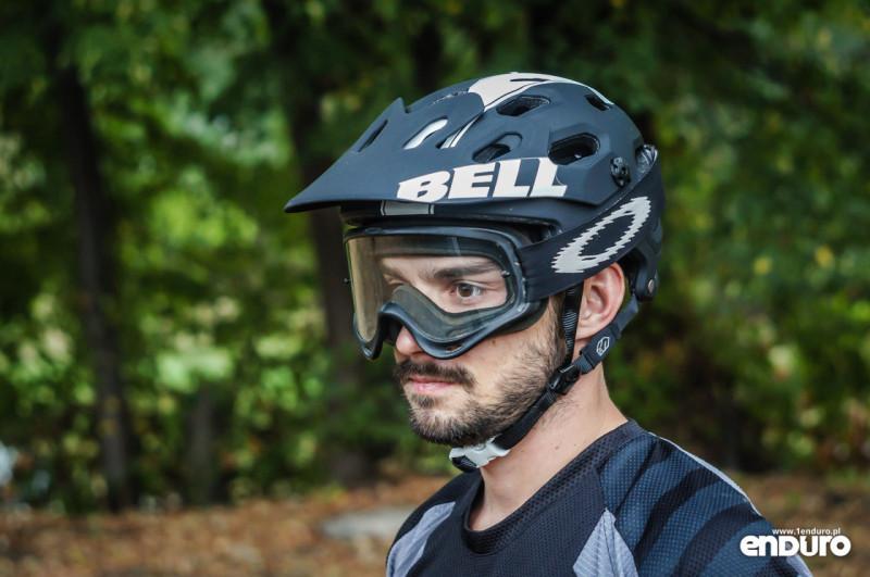 Test Bell Super 2R - gogle Oakley OFrame