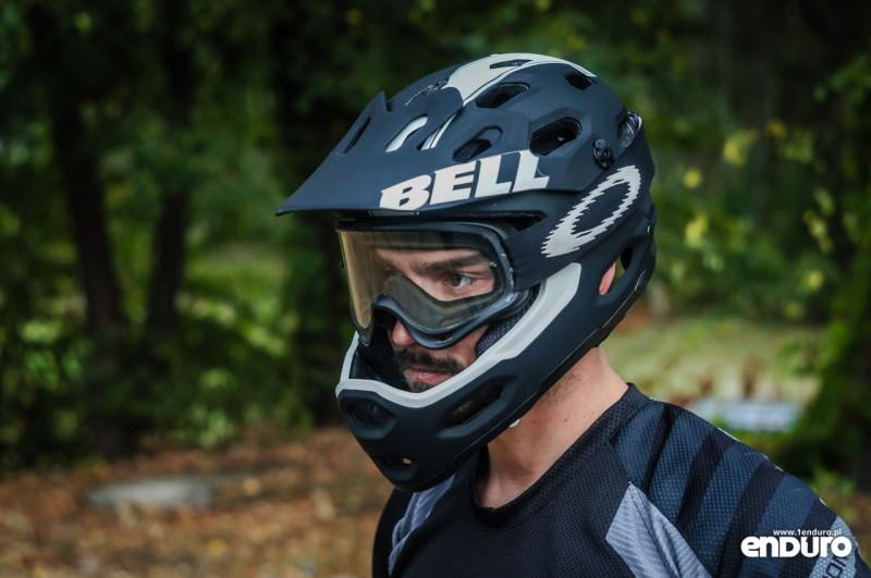 Test Bell Super 2R - fullface gogle Oakley