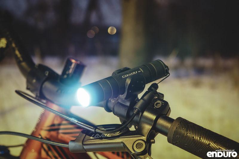 Convoy S2+ - latarka EDC na rower
