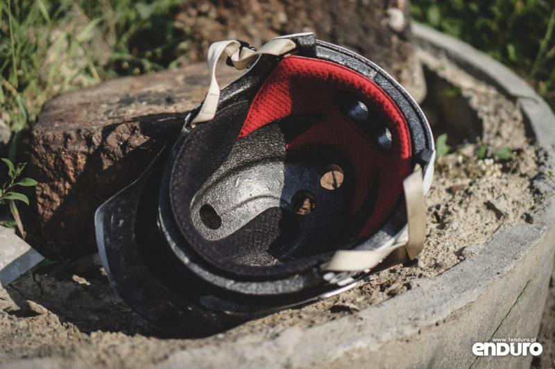Jak dbać o kask rowerowy - jak myć wnętrze
