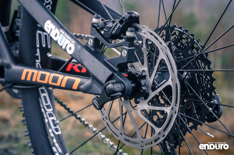 Kross Moon 2.0 2016 - SRAM Guide RS tył
