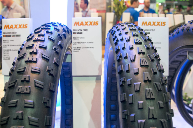maxxis-high-roller-plus-tire-minion-fbf-bfr-27-x-3.8