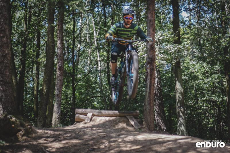 NS Bikes Eccentric Djambo - skok drop