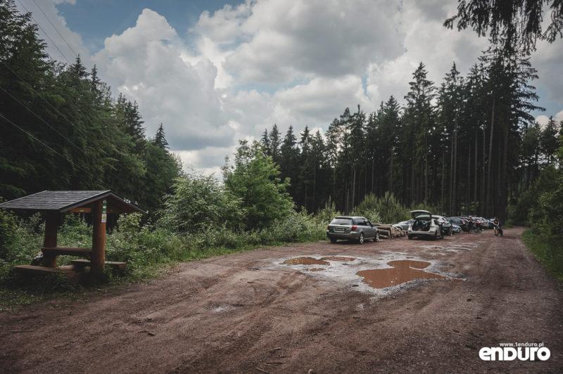 Trutnov Trails - parkoviste Pod Sedmidomim