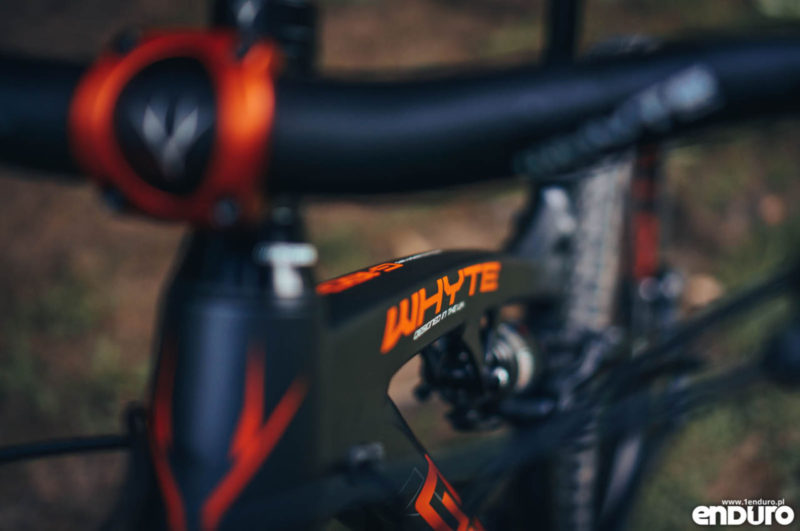 Whyte G-160 RS 2017 - top tube logo