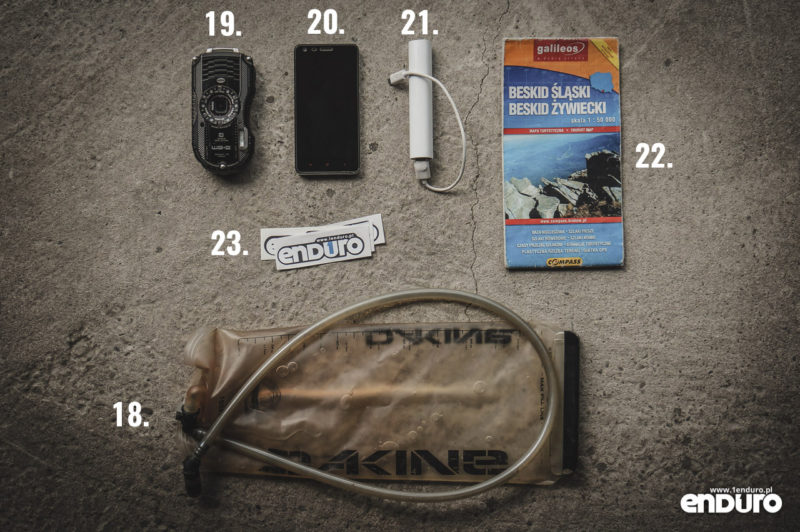Plecak enduro - co spakować - elektronika