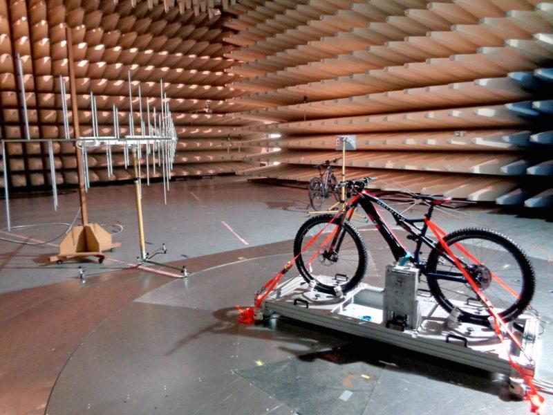 rower-mtb-elektryczny-rotwild-10-800x600