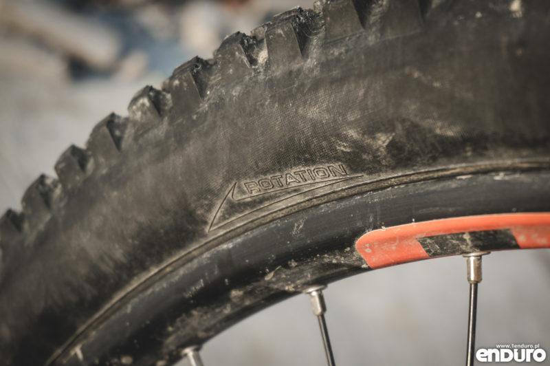 Jak założyć oponę rowerową - rotation