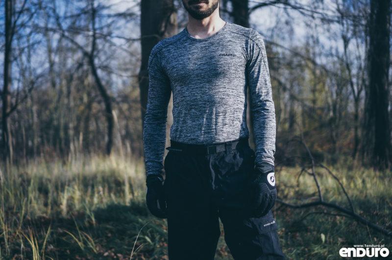 Ubrania rowerowe jesień zima - koszulka termoaktywna base layer