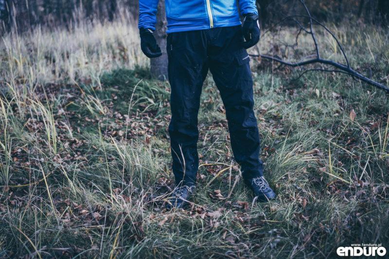 Ubrania rowerowe jesień zima - długie spodnie luźne