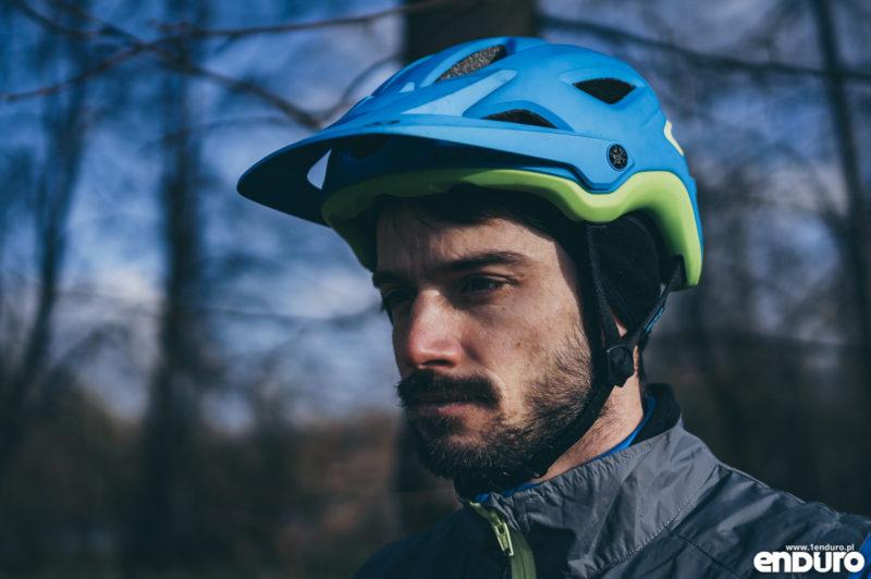 Ubrania rowerowe jesień zima - kask