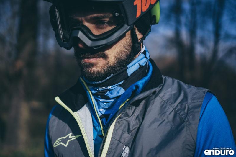 Ubrania rowerowe jesień zima - buff komin