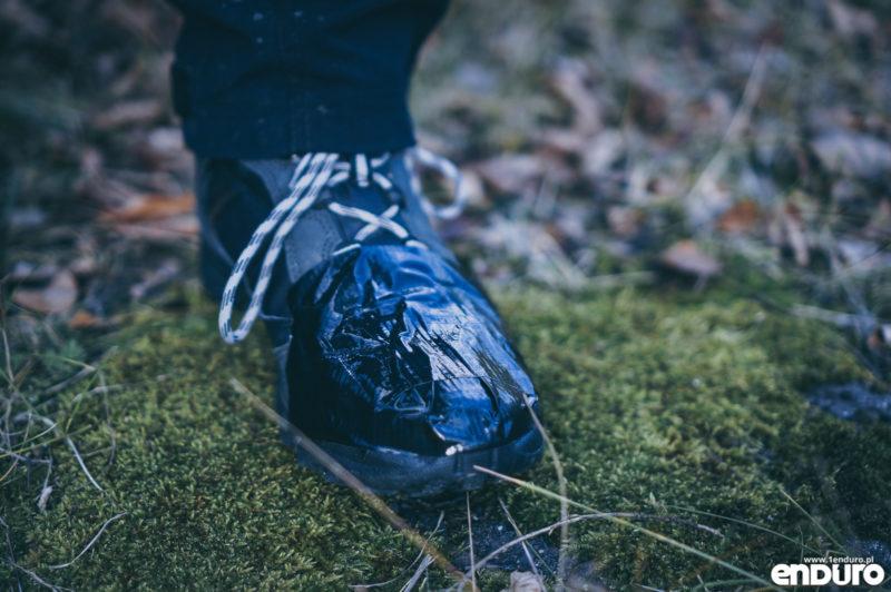 Ubrania rowerowe jesień zima - wodoodporne buty duct tape