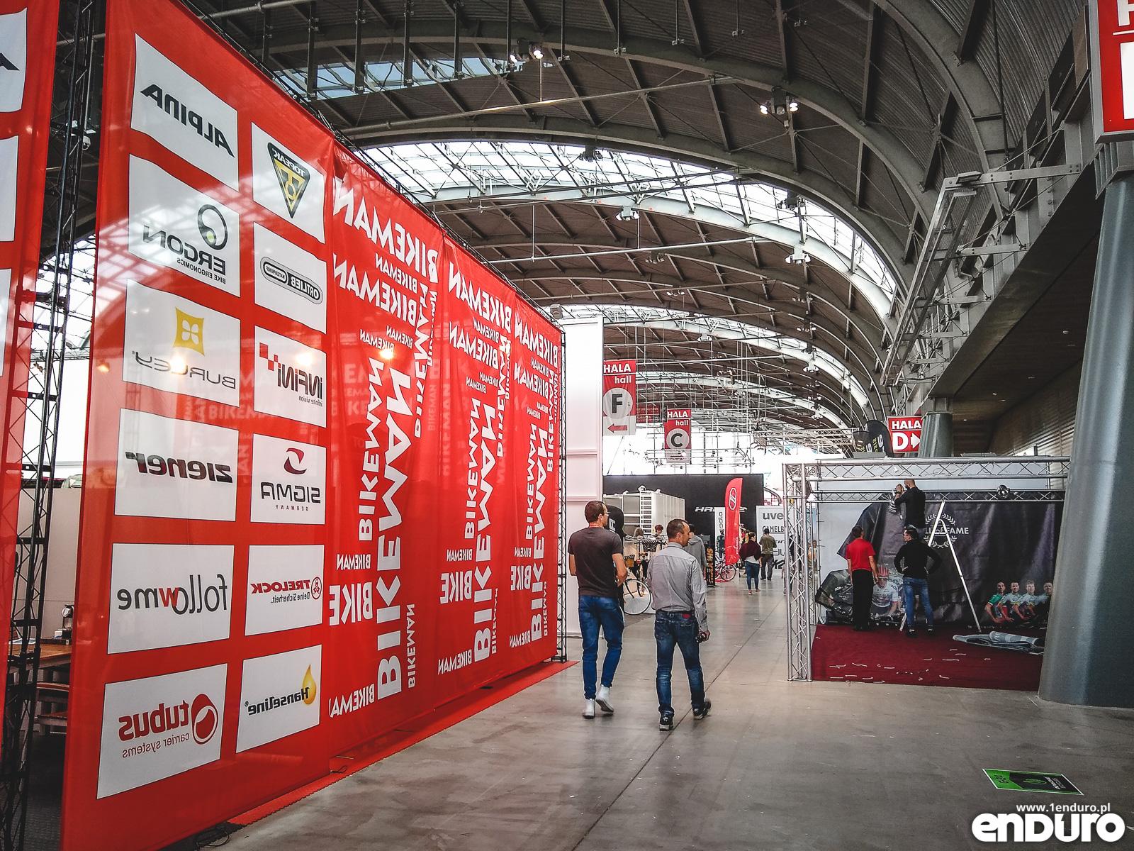 6be76c2991c95 Ano dlatego, że targi Kielce Bike Expo z roku na rok chudną. Zacznijmy od  tego, czego na nich… nie było. Wielcy nieobecni 2018 to między innymi Kross  (do ...