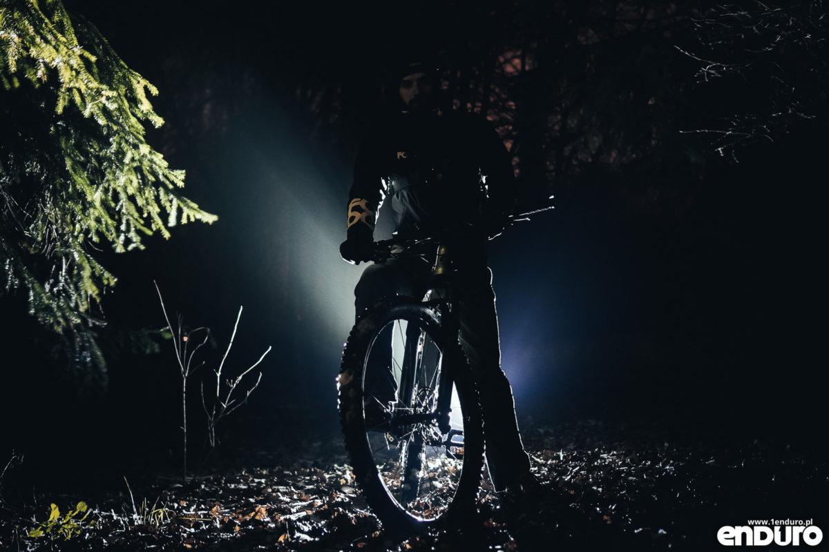 Night Ride - jazda nocą na rowerze