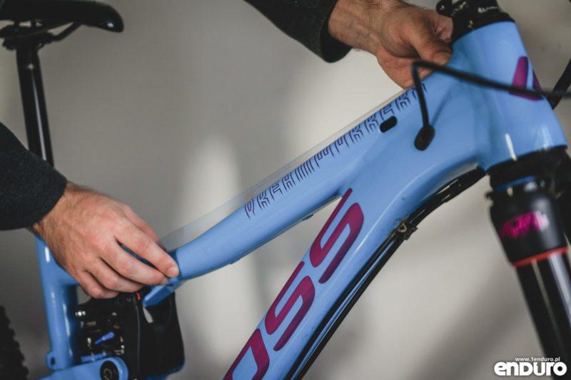 Oklejanie ramy roweru folią ochronną